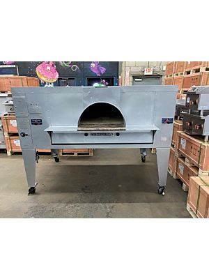 "Bakers Pride FC-816 IL Forno Classico Natural Gas Single Deck Pizza Oven 66"" Wx 44"" D Deck 140,000 BTU (USED)"